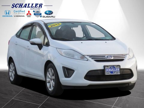 Pre-Owned 2013 Ford Fiesta SE FWD 4dr Car